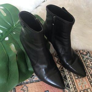 Via Spiga Black Leather Pointed Toe Booties - 7.5
